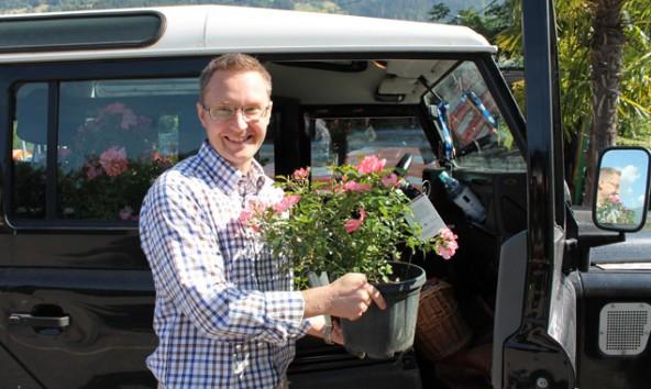 Er fährt 2000 Kilometer für Florales aus der Dolomitenstadt – Anwalt Jens Laschewski aus Schwerin. Fotos: Stadt Lienz/Lenzer