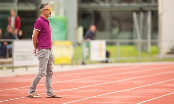 Rapid-Trainer Bernhard Hanser musste den Großteil der zweiten Halbzeit von der Tribüne aus beobachten.