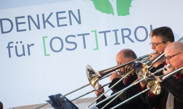 Fanfaren zum Auftakt und Abschluss – Vordenken für Osttirol gipfelt in einem Leitbild. Fotos. Brunner Images