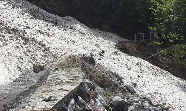 So sah der Lanzenpass Ende Mai aus. Jetzt sei die Strecke geräumt und sauber, versichert das LRC-Organisationsteam. Foto: Andreas Traußnig