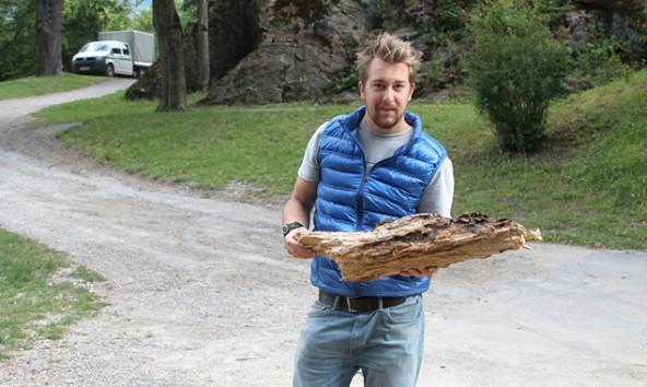 Da lässt sich was draus machen. Holzkünstler gerold Leitner aus Prägraten hat bereits eine Idee.