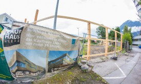 Megaposter soll Kaufhaus-Baustelle verdecken