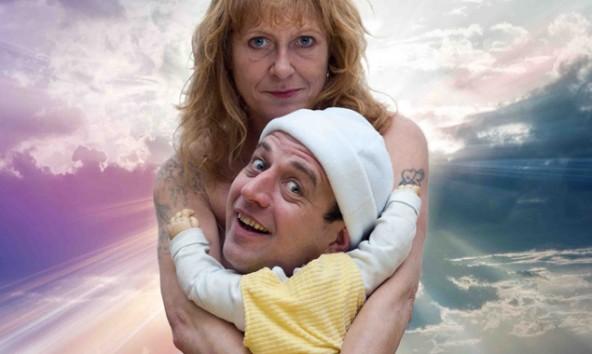 """Diese Mutter will nicht nur ihr Baby auf den Arm nehmen. """"Hendrick-Jan the Stuntman"""" ist bei Olala zu sehen. Das aktuelle Programm gibt's ab sofort, Karten ab 23. Juli."""
