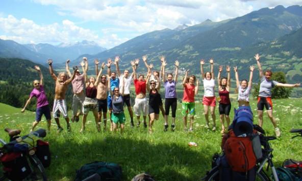 """Keine """"Zonierung"""" sondern einen echten iselschutz fordern die jungen """"Riverwalker"""" auf ihrem Weg von Osttirol nach Slowenien."""