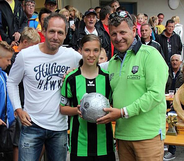 Stefanie Großgasteiger mit Ex-Nationalspieler Roland Kircher und Schlagerstar Semino Rossi.