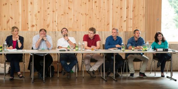 """Das """"Team Felipe"""", mit Beamten der Umweltabteilung und Mitarbeitern von Revital."""