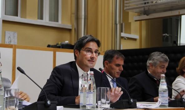 Der Südtiroler Landeshauptmann Arno Kompatscher spricht Klartext zum Direktzug Lienz-Innsbruck. Foto: LPA/mb