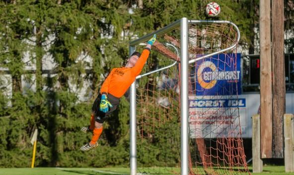 Marco Ortner stand gut an diesem Tag, eine Niederlage gegen Seeboden konnte der Debant-Keeper aber nicht verhindern.
