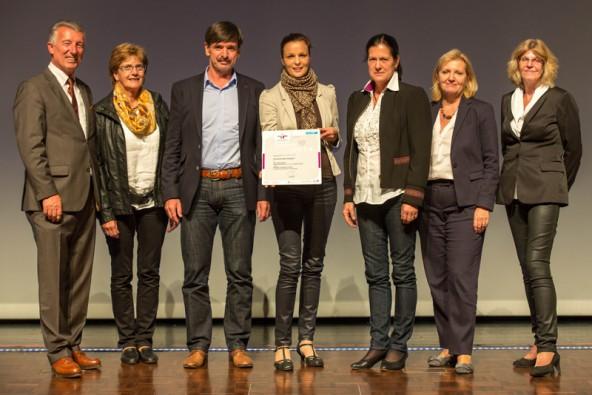 Auch Virgen war unter den Ausgezeichneten und mit einer Delegation vertreten, angeführt von Bürgermeister Dietmar Ruggenthaler (3.v.l.). Fotos: Harald Schlossko