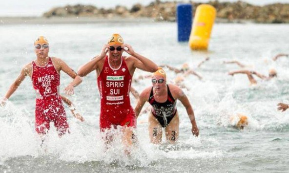 Schwimmen ist die Paradedisziplin von Theresa Moser. Bei beiden Rennen in Südamerika lag sie im Wasser Kopf an Kopf mit Europameisterin Spiring.