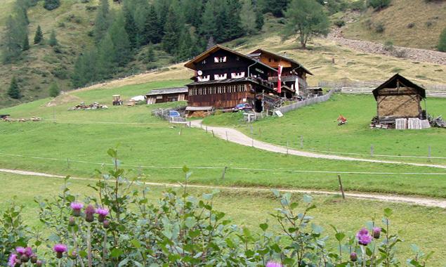 Die Volkzeinerhütte in Außervillgraten. Foto: Pirkner/Dolomitenstadt