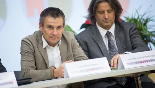 Die Experten: Walter Handle (links) plant die Breitband-Verkabelung, Helmut Poschinger modriert die Flugplatzzukunft.