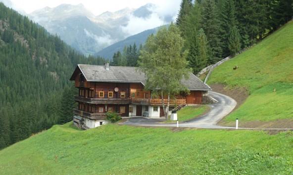 Die Hofzufahrt Innermorscher wurde komplett neu angelegt. Fotos: Land Tirol