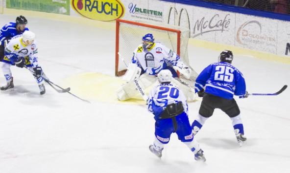 Immer wieder sorgten die Oilers für Gefahr vor dem  Gehäuse von Huben – fünf mal wurde daraus ein Treffer.