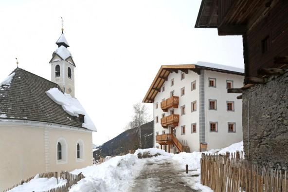 Kollreider Hof in Anras. Bauherr: Familie Stuchtey. Architekt/Planer: Lanz+Mutschlechner, Innsbruck. Wohnutzfläche: 500 m², Baujahr 1600 (Fotos: G.R. Wett)