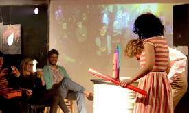 Performance-Künstler im Lienzer Café Wha