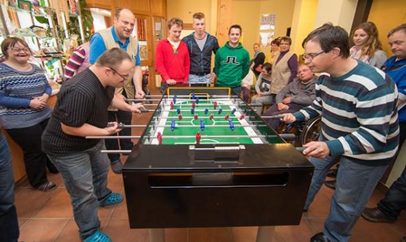Im Hintergrund die drei Schüler  v.l.n.r.:  Wibmer Georg, Mühlmann Matthias, Daniel Unterweger.  Foto: EXPA/Groder