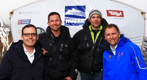 Bei der Präsentation der Wolke in Obergurgl von links: Harald Gohm (Standortagentur Tirol), Walter Klasz (unit koge), Michael Bacher (Neuschnee GmbH) und Oliver Schwarz (Ötztal Tourismus).