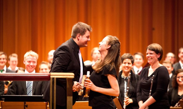 Das Ensemble unter der Leitung von Lukas Hofmann musiziert mit viel Freude und großem Einsatz. (Fotos: Bläserphilharmonie Osttirol)