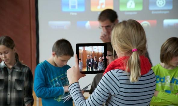 Osttirols Volksschulen, Unterstufen und Neue Mittelschulen – im Bild Schüler aus Dölsach – haben durchwegs weniger als 300 Kinder. Foto: Dolomitenstadt