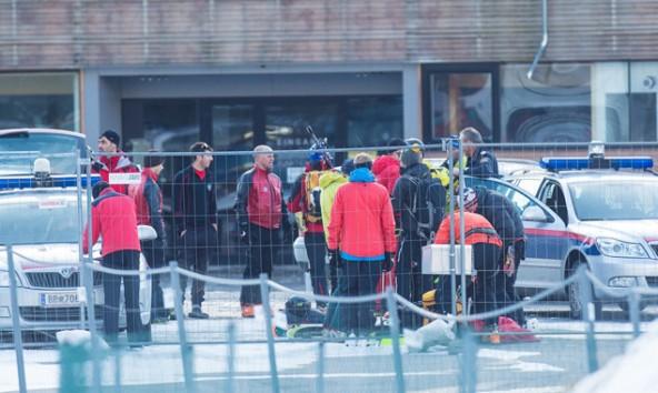 Das Rettungsteam startet in Matrei mit dem Einsatz. Fotos: Brunner Images