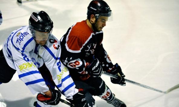 Nach der Niederlage im Hinspiel standen die Icebears auf eigenem Eis unter Zugzwang. Fotos: Oberhammer