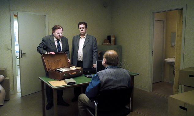 Sam (Nils Westblom) und Jonathan (Holger Andersson), zwei Handlungsreisende für Scherzartikel, verbindet eine Freundschaft der Gegensätze. (Foto: Polyfilm)