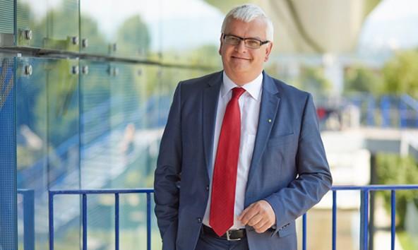 Marcus Wild, Vorsitzender der SES-Geschäftsführung zeigt sich zufrieden mit dem großen Umsatzplus in Nußdorf-Debant. Foto: Daniel Hager