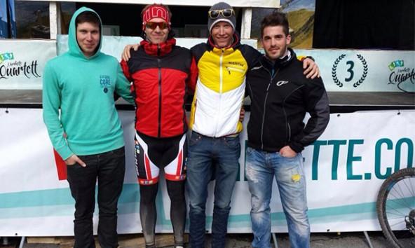 v.l. Jakob Britz, Thomas Aichner, Manuel Seibald, Patrick Suntinger (Team Erdbau Groger). Foto: Aichner