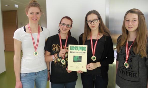 Die Landesmeister-Oberstufe Mädchen, v.l. Andrea Schorn, Jasmin Jester, Hannah Tschojer, Vanessa Lukasser. Foto: BG/BRG Lienz