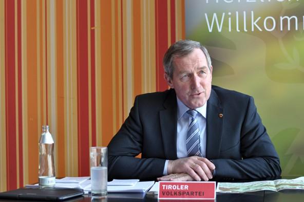 """hermann Kuenz: """"Es gab gestern noch lange Gespräche mit Frank Vassen von der EU-Kommisssion"""". Fotos: Dolomitenstadt"""
