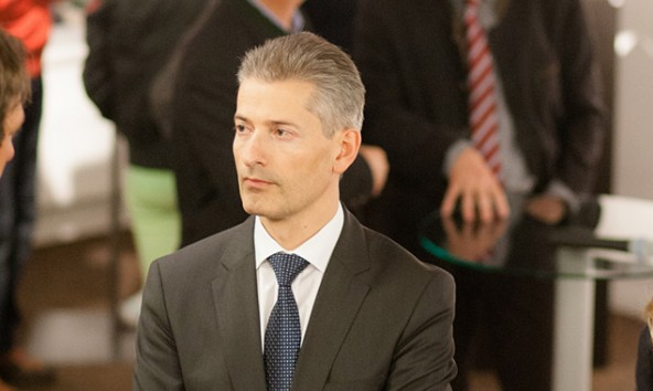 Vorstand Hansjörg Mattersberger ist überzeugt davon, dass die Volksbank Osttirol-Westkärnten selbständig bleiben wird. Foto: Tschurtschenthaler