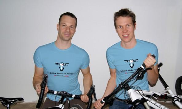 Dolomite Bike-Mastermind Patric Plankensteiner (rechts) mit seinem Service-Mann Andreas Wibmer.