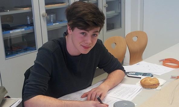 Bereits bei seinem ersten Antritt bei einer Physikolympiade, erreichte Florian Lang den zweiten Platz.
