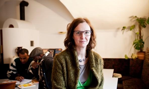 Monika Reindl-Sint betreut als Freiwilligenbeauftragte sowohl die Ehrenamtlichen, als auch die Organisationen, die nach freiwilligen Helfern suchen. Foto: Miriam Raneburger