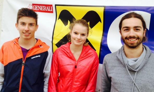 Simon Wolsegger und Julia Swette mit Jugendleiter Simon Pötscher vom Alpenverein Matrei. Foto: Alpenverein Matrei