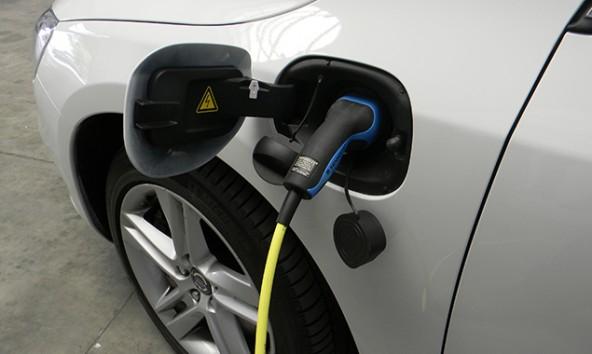 Erfahrungen mit einem E-Car hat man schon aufgrund des Virger Mobils. Foto: Johannes Wiesinger/pixelio.de