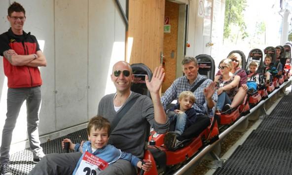Rasant talwärts geht's mit dem Alpine-Coaster (Foto: Lienzer Bergbahnen)