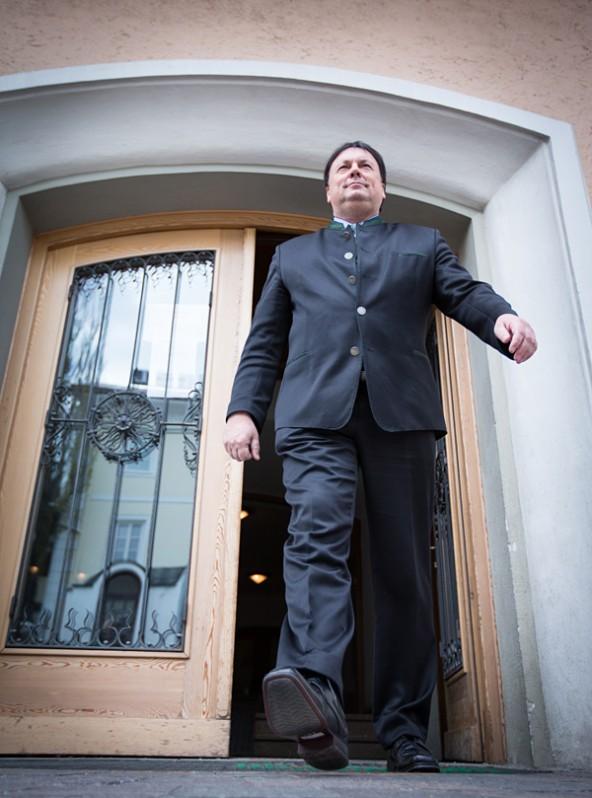 Noch schaltet und waltet der Matreier Bürgermeister und Bundesrat Andreas Köll fast uneingeschränkt im Matreier Gemeindeamt. Doch das könnte sich ändern. Foto: Expa/Groder