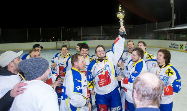 Die Leisacher Eishockeycracks haben allen Grund um eine große Party zu feiern.
