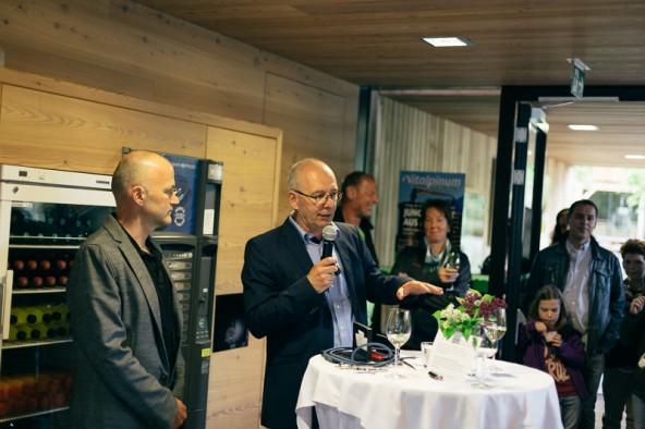 """Das """"Vitalpinum"""" soll auch Eventlocation werden. Hausherr Michael Unterweger begrüßte die Gäste. Fotos: Marco Leiter"""