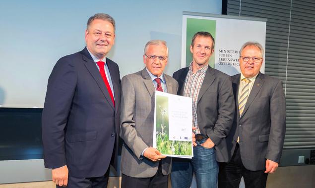 v.l.: BM Andrä Rupprechter, RMO-Obmann Erwin Schiffmann, RMO-Geschäftsführer Michael Hohenwarter und NR Hermann Gahr. Foto: BMLFUW