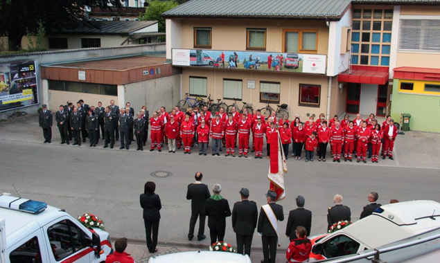 Das Rotkreuz-Team bei der Fahrzeugweihe. Fotos: Rotes Kreuz Osttirol