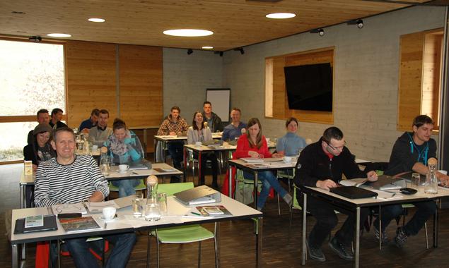 Sie sind die ersten Teilnehmer des neuen Zertifikationslehrganges. Fotos: Maschinenring
