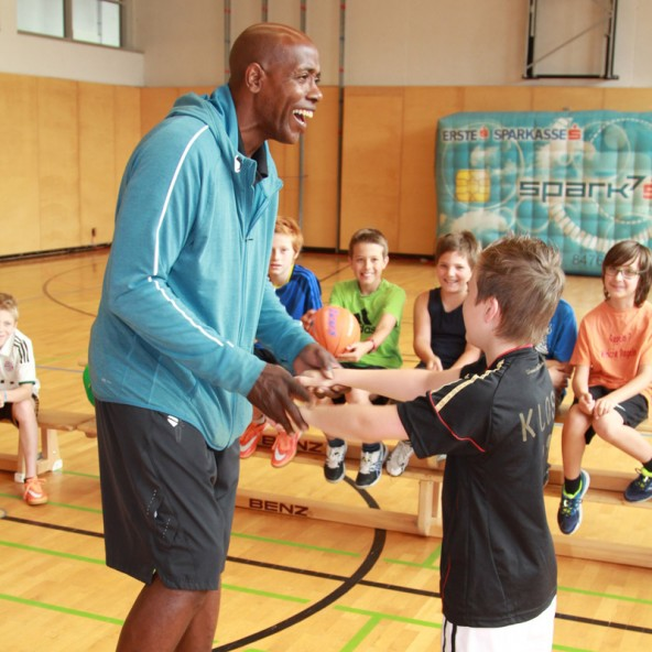 Für viel Furore sorgte der Basketballprofi Renaldo O'Neal mit seinem Sportworkshop.