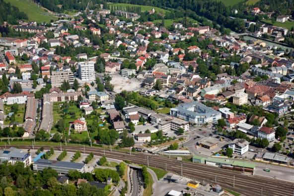 Das Mobilitätszentrum am Bahnhof und das (vorerst nur angekündigte) EKZ an der Dolomitenkreuzung werden Lienz verändern.  Foto: Wolfgang C. Retter