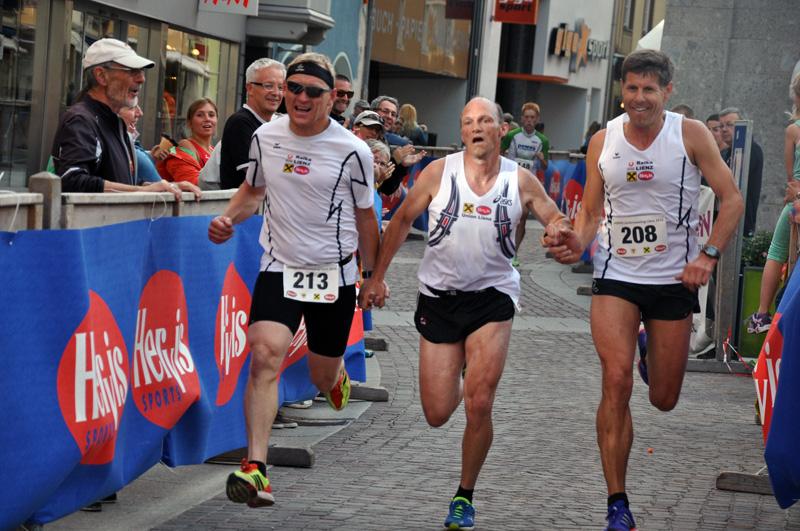 v.l.: Ernst Prislan, Günther Obereder, Fraunz Mietschnig – die letzten Meter vor dem Ziel.