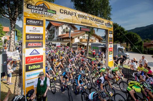 So begann die Tour, die sieben Tage dauert und über die Alpen zum Gardasee führt - mit einer Königsetappe durch Osttirol.