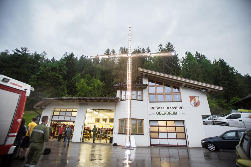 Dieses Gedenkkreuz wird vor dem eigentlichen Gipfelkreuz der Schleinitz stehen. Fotos: Brunner Images