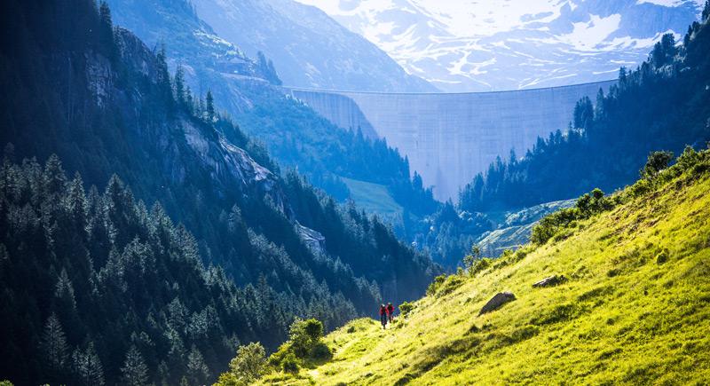 Neben dem Sport war auch der Blick auf das Panorama eingeplant, wie hier vom Mountainbike aus. Foto: adidas/Hannes Mair